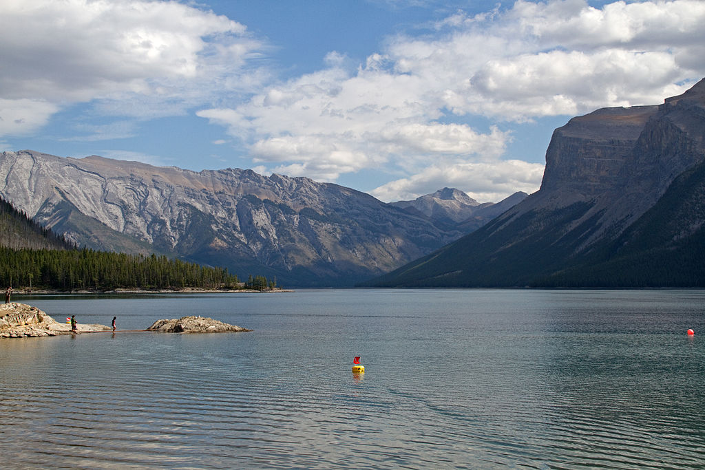 Canadian lake features underwater ghost town | X-Ray Mag
