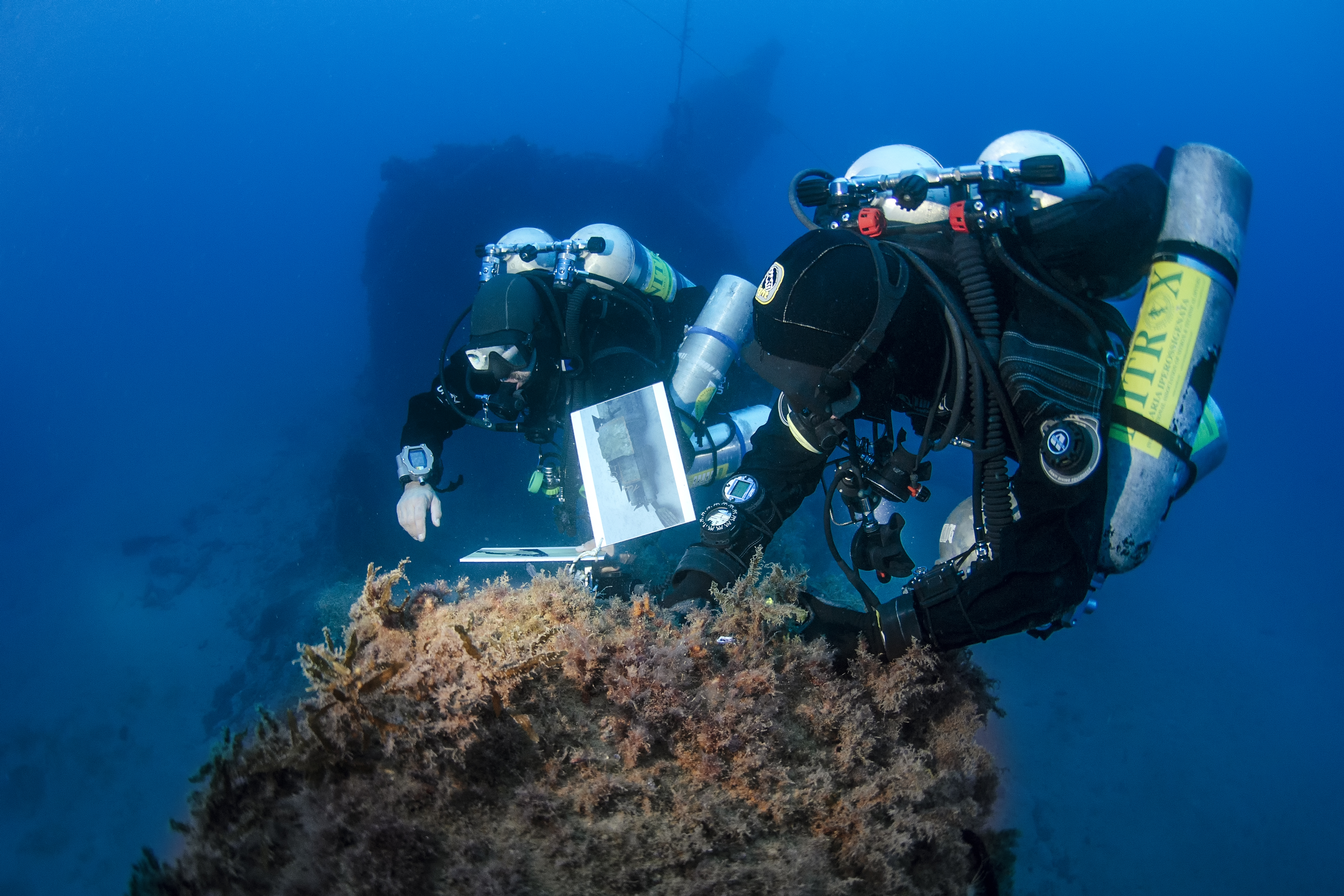 Divers taking measurements for the 3D reconstruction of the Scirè wreck. Photo by A. Dabalà / IANTD S.r.l.